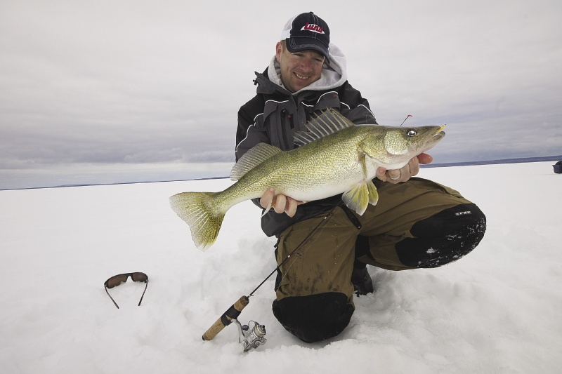 fishing_for_walleye_in_the_winter.jpeg